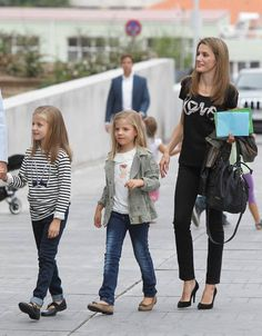 Prince Felipe and Princess Letizia with their daughters Leonor and Sofía of Spain. visiting the hospital to see the King