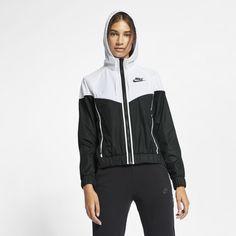 d7c2cbf9f48 Nike Sportswear Windrunner Women s Woven Windbreaker Size XS (Black)