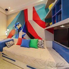 Olha só, mais um quarto com pintura geométrica de super herói 😍 Quem amou? ☝🏼️ projeto da @claudiaalbertiniarquitetura #ahlaemcasa