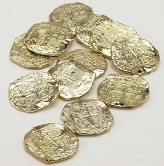 Gold Doubloons Plastic Pirate Treasure Pirate Cosrtume Coins 22330   eBay