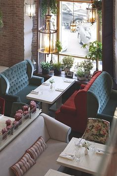 31 beautiful restaurant and tea room decorations - Cafe Seating, Booth Seating, Restaurant Interior Design, Cafe Interior, Luxury Restaurant, Restaurant Food, Luxury Interior, Interior Ideas, Mein Café