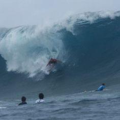 Fanning Tahiti after shark attack