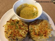 Clean and healthy Fish Cakes // Very tasty! Added 1 tsp mustard and used cup whole wheat bread crumbs Healthy Foods, Healthy Eating, Healthy Recipes, Clean Eating Fish, Cod Cakes, Cleaning Fish, Cholesterol Lowering Foods, Protein Snacks, Bread Crumbs