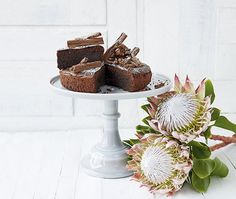 Good Housekeeping is the go-to mag for the busy woman looking for quick, clever, cost-effective ways to maximise her life and her home. Homade Cake Recipe, Sweets Recipes, Cake Recipes, Cupcake Cakes, Cupcakes, Good Housekeeping, Cake Toppings, Cooking Classes, Amazing Cakes