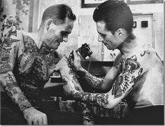 vintage tattoos tattoo retro ink pin up ship old school anchor mermaid tattoo flash traditional Tattoo artist sailor jerry Norman Keith Collins Tattoo Old School, 10 Tattoo, Tattoo Blog, Tatto Old, Sailor Jerry, Tattoo Studio, Picture Tattoos, Tattoo Photos, Beautiful Tattoos