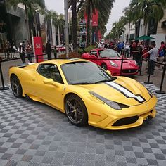My first viewing of the new Speciale A, looks good in yellow #Ferrari #458 #Speciale #SpecialeA #FerrariUSA60 #Shmee150