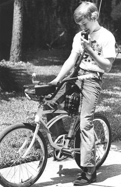 Houston teen with his bike-mounted CB radio, June 1976.    From http://blog.chron.com/bayoucityhistory/2010/07/cb-radio-caught-on-in-astro-city/