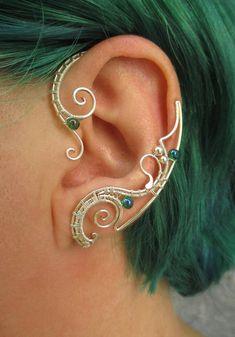 Pair of elven ear cuffs Emerald Love – Ear cuff – Elf ears – Fairy ear cuffs – Ear cuff no piercing – Ear wrap Ein paar böse Ohrstecker von Nemertes Helix Earrings, Crystal Earrings, Statement Earrings, Dangle Earrings, Bijoux Wire Wrap, Wire Wrapped Jewelry, Ear Jewelry, Cute Jewelry, Cartilage Jewelry