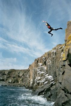 Missing this. Coasteering in wales = awesome Cliff Diving, Cave Diving, Holiday Activities, Outdoor Activities, Abseiling, Pembrokeshire Coast, Mermaid Beach, Uk Holidays, Hobbies And Interests