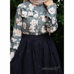 Muslim Women Fashion, Modern Hijab Fashion, Arab Fashion, Modest Fashion, Skirt Fashion, Fashion Outfits, Hijab Style Dress, Modele Hijab, Frocks For Girls