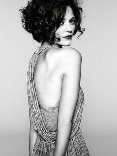 Marion Cottilard. I want this haircut!