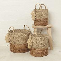Handwoven banana leaf and seagrass natural two toned basket with tassel. Rope Basket, Basket Weaving, Plant Basket, Do It Yourself Furniture, Diy Crafts For Home Decor, Jute Crafts, House Plants Decor, Boho Diy, Basket Decoration