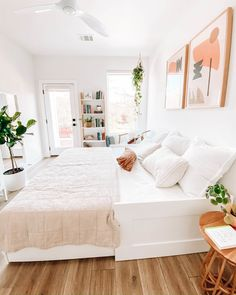 Wellness Blogger Jules Acree Carves Out a Soothing Retreat in Austin - Dwell Guest Bedrooms, Room Makeover, Room, Multipurpose Guest Room, Home Decor, Daybed Room, Guest Room Decor, Small Guest Rooms, Guest Bedroom Office