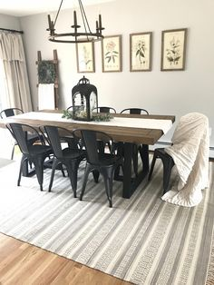 30 wonderful farmhouse style dining room design ideas 2019 14 – salle a manger ferme Dining Room Walls, Dining Room Sets, Dining Room Design, Dining Room Furniture, Metal Dining Chairs, Dining Room With Rug, Metal Farmhouse Chairs, Ikea Dining Room, Dark Furniture