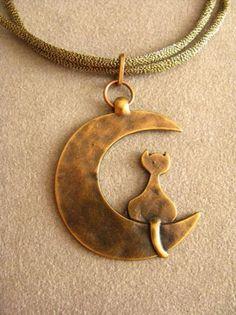 Colgante gato en la luna - versión bronce