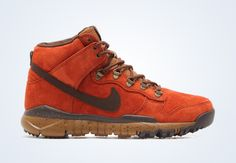 Portland-based Poler teams up with Nike for yet another outdoor-specific take on a silhouette for the Winter season. The shoe in question is the Dunk High OMS, which is given a brand new colorway that speaks directly to not only the Poler loyalist, but to fans of ACG, a category that will soon be revived [&hellip