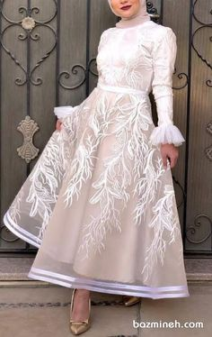 some girls prefer the puffy soiree style, other girls prefer the pencil or the wrapped dresses. Hijab Prom Dress, Hijab Evening Dress, Hijab Style Dress, Hijab Wedding Dresses, Evening Dresses, Dress Up, Prom Dresses, Mode Abaya, Mode Hijab