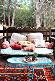 A BEAUTIFUL LITTLE LIFE: DIY Decor Your Deck Before July 4: 50 Beautifully Decorated Decks {31-40}