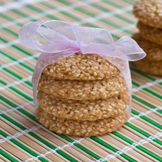 A Kwanzaa holiday cookie: Benne Wafers (Sesame Seed Cookies) Kwanzaa, Hannukah, Seed Cookies, Cute Cookies, Cookie Desserts, Holiday Cookies, Christmas Desserts, Winter Holidays, Treats