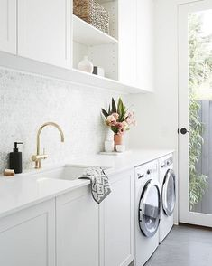 Tiny laundry room / Pequeño cuarto de lavado Former contestants on The Block, Julia and Sasha share their journey from big Block stint to 'Little Willow' revamp – thanks to an undying passion for renovating. Laundry Decor, Laundry Room Organization, Laundry Room Design, Laundry In Bathroom, Laundry Nook, Laundry Storage, Laundry In Kitchen, Kitchen Tiles, Laundry Room With Cabinets