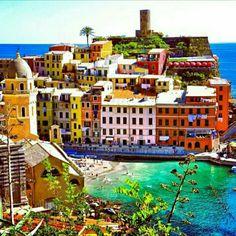 Vernazza at Cinque Terre,Italy.    🌍