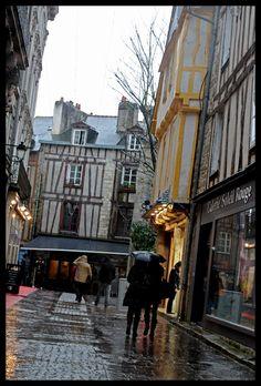 Falls, the rain falls.    Vannes - Bretagne