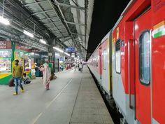 Shramshakti: The Love 🚆 Winter Breaks, Holiday Train, Non Stop, New Delhi, Holiday Destinations, Family Travel, Art Drawings, Cities, September