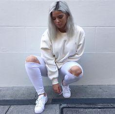 Streetwear Girls — FOLLOW: http://StreetwearGirls.tumblr.com