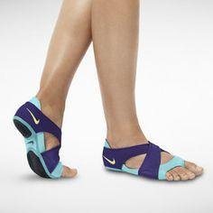 Nike Studio Wrap Women's Training Shoe for TRX, Pilates, Yoga. Nike Studio Wrap, Nike Outlet, Shoes Outlet, Neoprene, Womens Training Shoes, Nike Free Runs, Yoga Wear, Hot Yoga, Look Cool