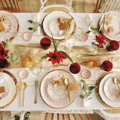 Christmas table settings ideas… A Christmas table decoration can be of any theme and color. Homemade Christmas Table Decorations, Christmas Table Settings, Swedish Christmas, Modern Christmas, Candle Centerpieces, Centerpiece Decorations, 40th Birthday Parties, Ball Lights, Christmas Candles
