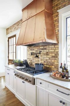 30 Rooms That Perfectly Embody Farmhouse Style Kitchen Ventcopper Kitchenkitchen Hoodsvent