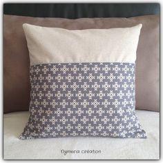 housse de coussin en tissu japonais motif g om trique. Black Bedroom Furniture Sets. Home Design Ideas