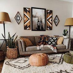 Pomysły na dodatki do wnętrza w stylu boho Living Room Furniture, Living Room Decor, Bedroom Decor, Furniture Stores, Cheap Furniture, Furniture Ideas, Living Rooms, Master Bedroom, Inexpensive Home Decor