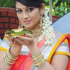 Latest HD Photos, images, HD wallpapers for mobiles # Beautiful Girl Indian, Beautiful Saree, Beautiful Women, Happy New Year Gif, Romantic Girl, Glamorous Makeup, Indian Girls, Indian Sarees, Woman Crush
