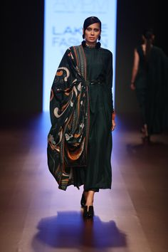 Forest green dupion silk pleated full sleeves embroidered kurta with patra lifting, digital printed silk floral dupatta and chanderi fitted pants. Fashion Week 2018, Lakme Fashion Week, India Fashion, Asian Fashion, Fall Fashion, Fashion Ideas, Indian Look, Dress Indian Style, Indian Ethnic Wear