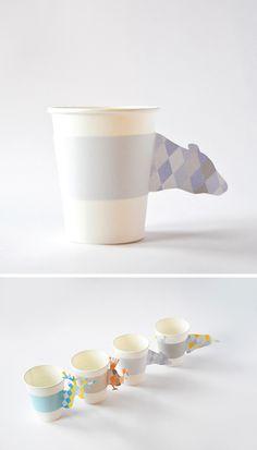 #DIY Winter Animal Cup Cozies Free #download www.kidsdinge.com https://www.facebook.com/pages/kidsdingecom-Origineel-speelgoed-hebbedingen-voor-hippe-kids/160122710686387?sk=wall