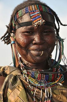 CULTURAL DIVERSITY. How concepts of beauty and fashion can change from one Culture to another. Students can look at some of the accessories of beauty used in this African tribe and compare it to Australia.