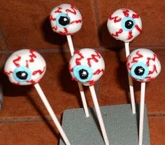 29 Creepy, Spooky, Scary, Gross, and Disgusting Halloween Recipes!