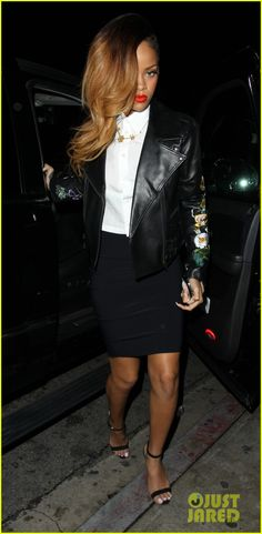 Rihanna Greystone Manor Night Out Rihanna. RiRi #Rihanna, #Riri, #pinsland, https://apps.facebook.com/yangutu