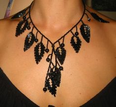 collar hojas negras Fashion Show 2016, Beads Jewelry, Crochet Necklace, Creations, Album, Leaves, Black People, Beading, Black Jewelry
