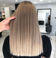 Balayage Straight Hair, Brown Hair Balayage, Brown Blonde Hair, Hair Color Balayage, Hair Highlights, Dying Hair Blonde, Blonde Hair Looks, Dyed Hair, Best Hair Dye