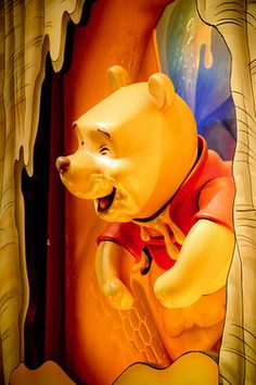 Winnie the Pooh Ride/ Disney World Disney Dream, Disney Love, Disney Art, Disney Stuff, Walt Disney, Magic Kingdom Rides, Disney Magic Kingdom, Winnie The Pooh Friends, Disney Winnie The Pooh
