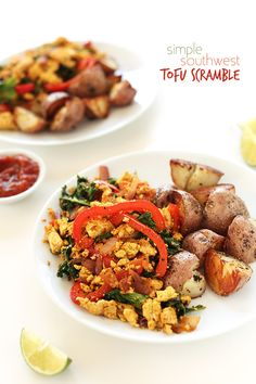 Kale, red peppers and onion with tofu in a smoky, savory sauce ! Would be absolutely delicious! AWESOME flavour combination & so easy to make in 1 pan! Baker Recipes, Tofu Recipes, Whole Food Recipes, Vegetarian Recipes, Cooking Recipes, Healthy Recipes, Healthy Foods, Tofu Scramble, Cooking Tofu