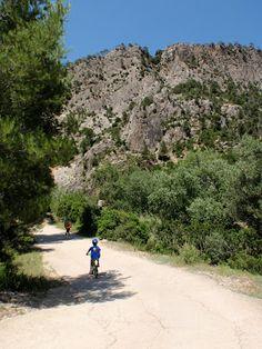 """Fontcalda por el """"Riu Canaletes"""" (Fontcalda, Tarragona..."""