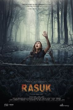 The director of Valentine: The Dark Avenger turns his hand to horror with Rasuk a tale of teens in a villa in the woods stalked by an evil spirit. Scary Movies To Watch, Movie To Watch List, Good Movies, Imdb Movies, Movies 2019, Streaming Vf, Streaming Movies, Horror Movie Posters, Horror Movies