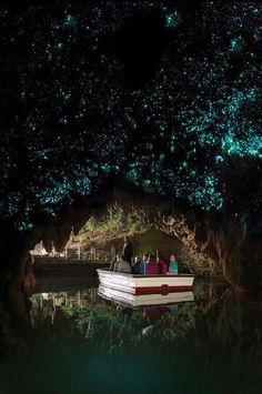 15 Recommended Things to Do in New Zealand - Touring the Waitomo Glowworms Cave by Calculated Traveller | #NewZealand #ThingsToDo #travel #ToDo