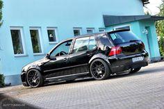 Golf 4 – schwarz in schwarz - AUTOTUNING.DE