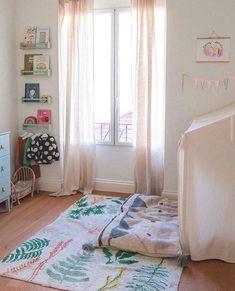 Pěkný kusový koberec s přírodními motivy.  👉Ručně tkaný kusový koberec Botanic Plants👈  Tento koberec je kompletně pratelný v pračce, takže jeho údržba je více než snadná.   #koberec #mujkoberec #obyvacipokoj #design #interier #detskypokoj #loznice Playroom Decor, Entryway Decor, Fall Home Decor, Cheap Home Decor, Lorena Canals Rugs, Home Decor Paintings, Washable Rugs, Luxury Homes Interior, Girl Rooms