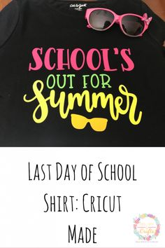 Make the last day of school exciting with a fun shirt. Learn how to make this last day shirt with your Cricut and this free svg. This design is perfect for kids and teachers! Teacher Humor, Teacher Shirts, School Teacher, School's Out For Summer, Summer Is Coming, Summer Time, Happy Crafters, How To Use Cricut
