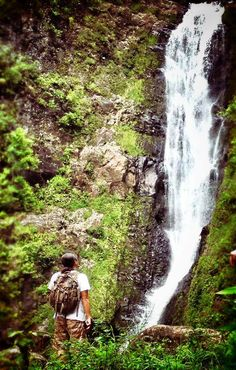 Hiking in Hawaii means: WATERFALLS!